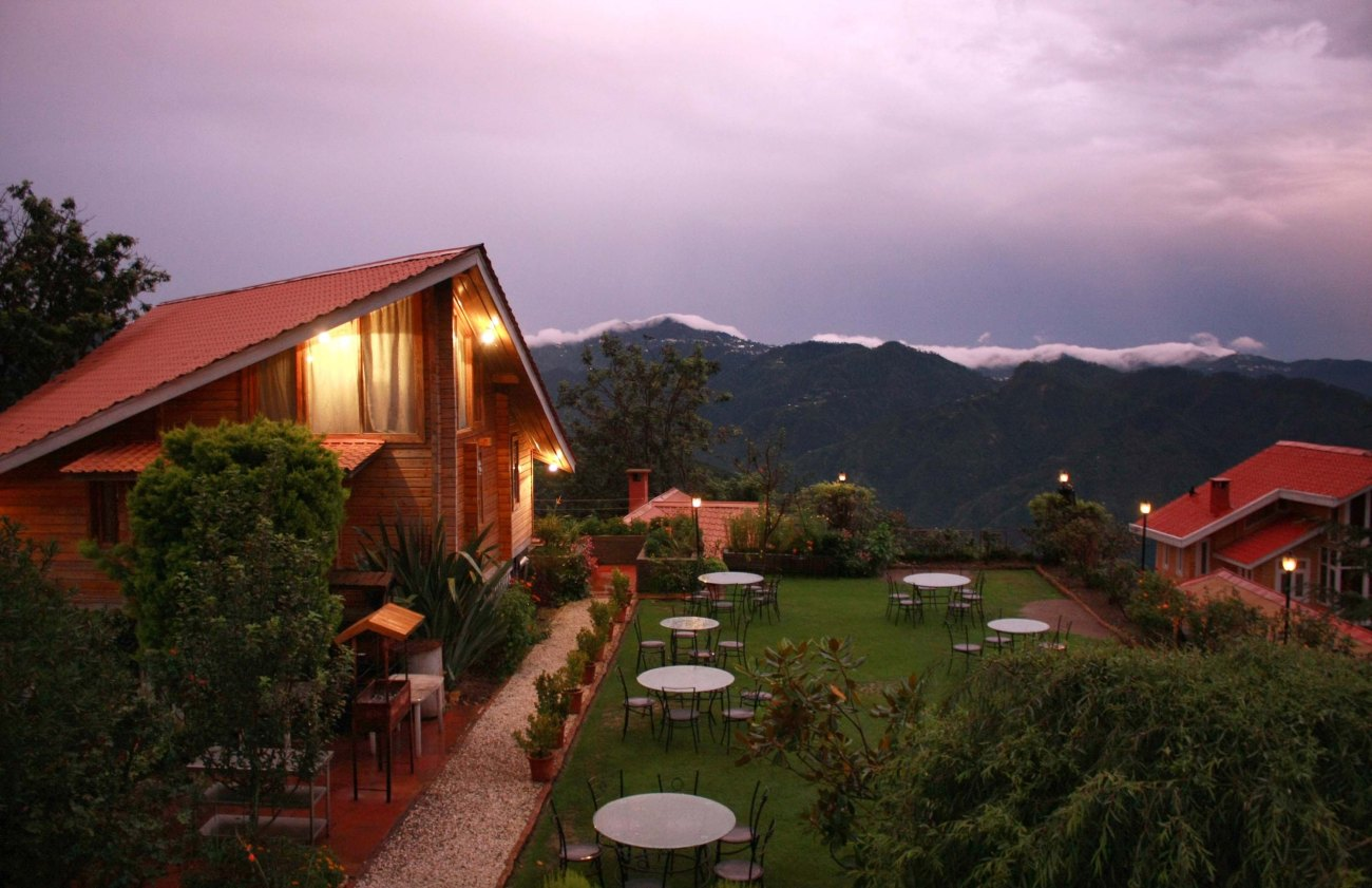 Chalets Hotel Naldehra, Shimla