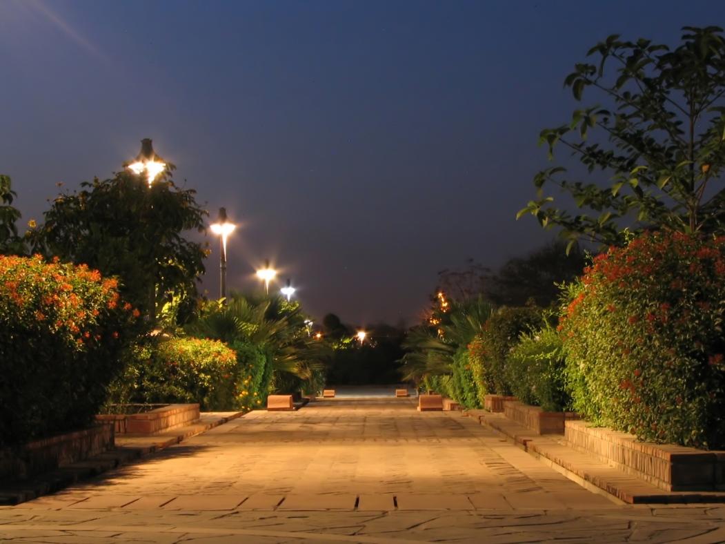 पांच इंद्रियों का उद्यान