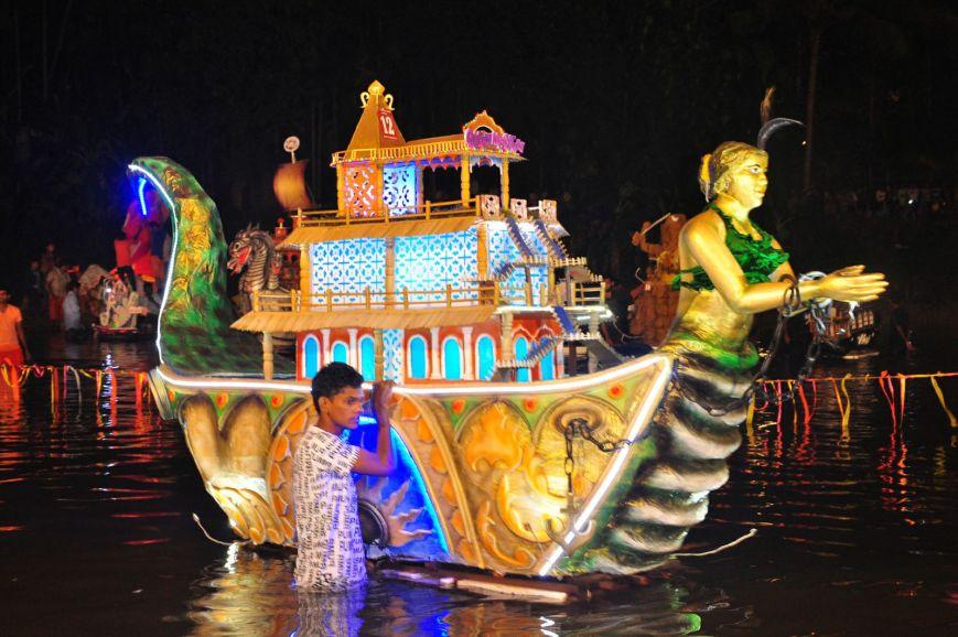 त्रिपुरारी पूर्णिमा- गोवा का नाव उत्सव