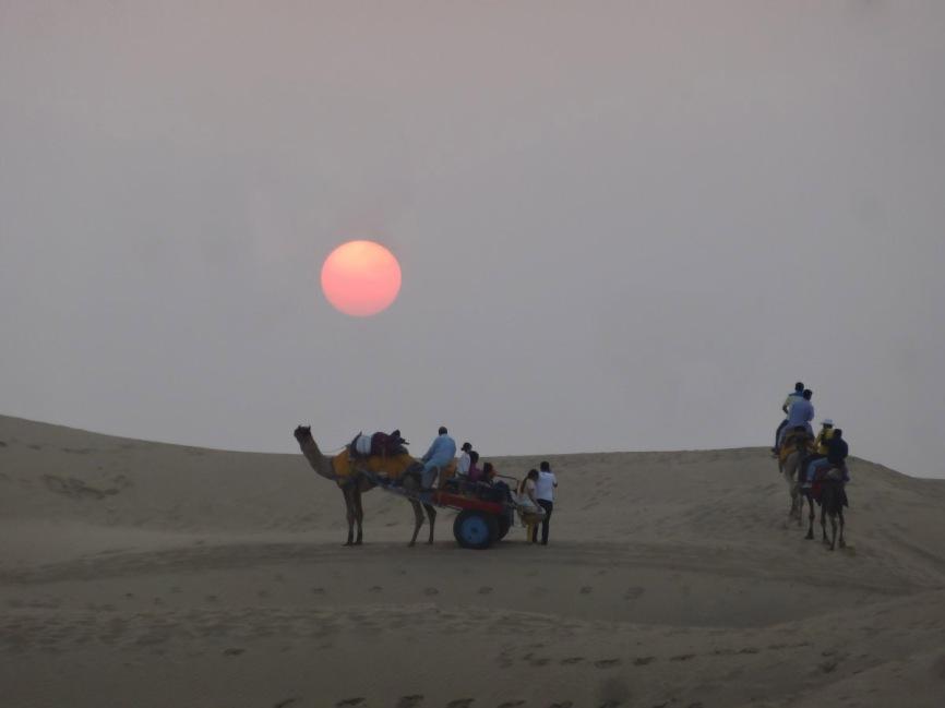 राजस्थान की जलवायु कि प्रमुख विशेषताएं