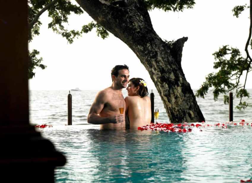 honeymoon-in-private-pool-villas
