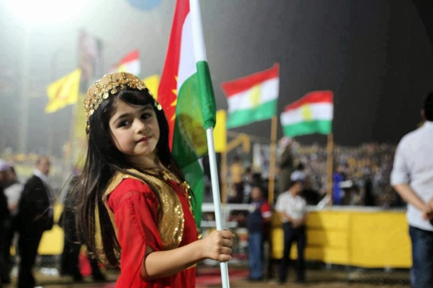 kurdish-girl-with-flag