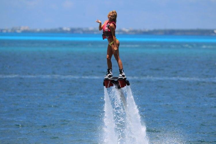 Water ski in Dubai