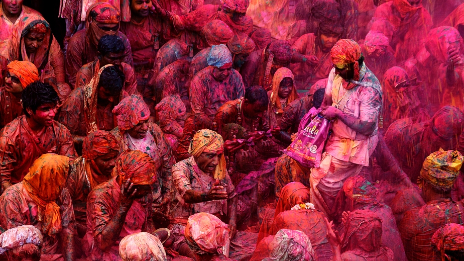 hampi-holi-in-south-india