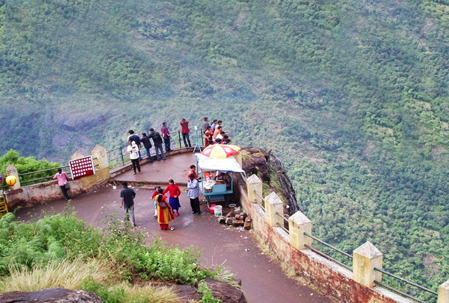 Shimla the verdant paradise tour packages from delhi india for Honeymoon packages for ooty