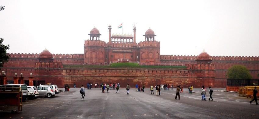 Red-Fort-Tourists-HD-wallpapers