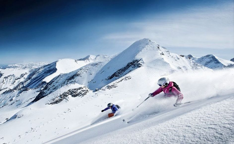 Skiing Tour in India