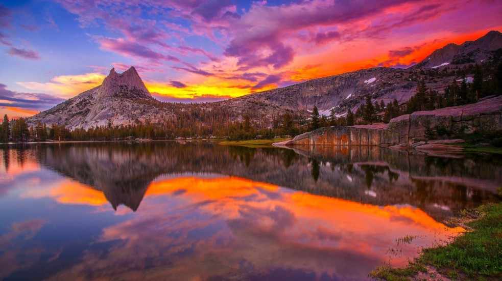 Top 10 Places To Visit In The World Before You Die - Mirror Lake in Yosemite National Park: Spectacular Abundance