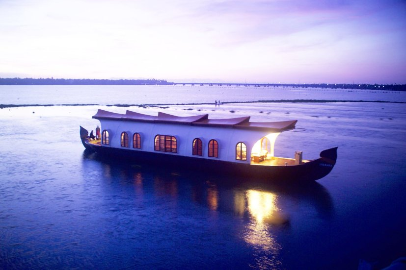 Houseboat Cruise in Alleppey1